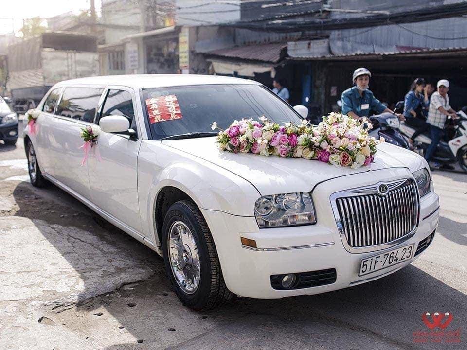 Cho thuê xe cao cấp Limousine