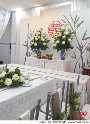 Trang trí đám cưới với hoa sen trắng xanh