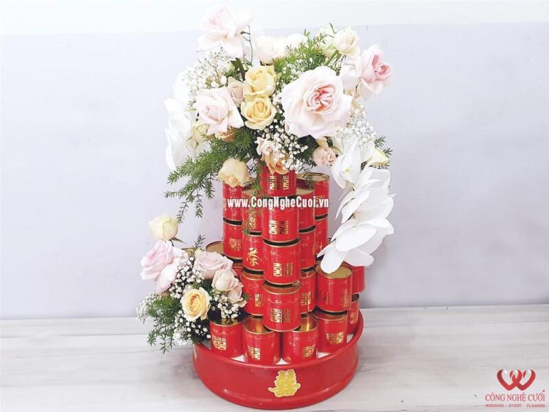 Mâm quả trà lon xếp tháp kết hoa